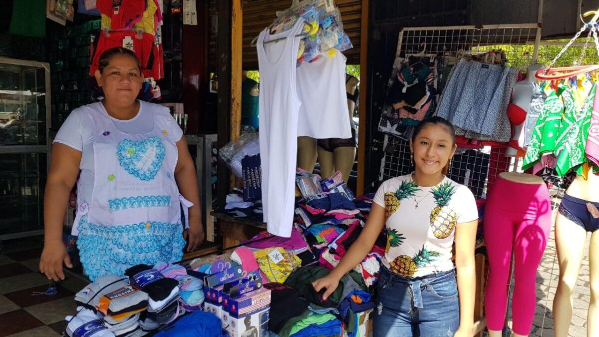 Feria de Descuentos por Día del Padre en mercado Iván Montenegro