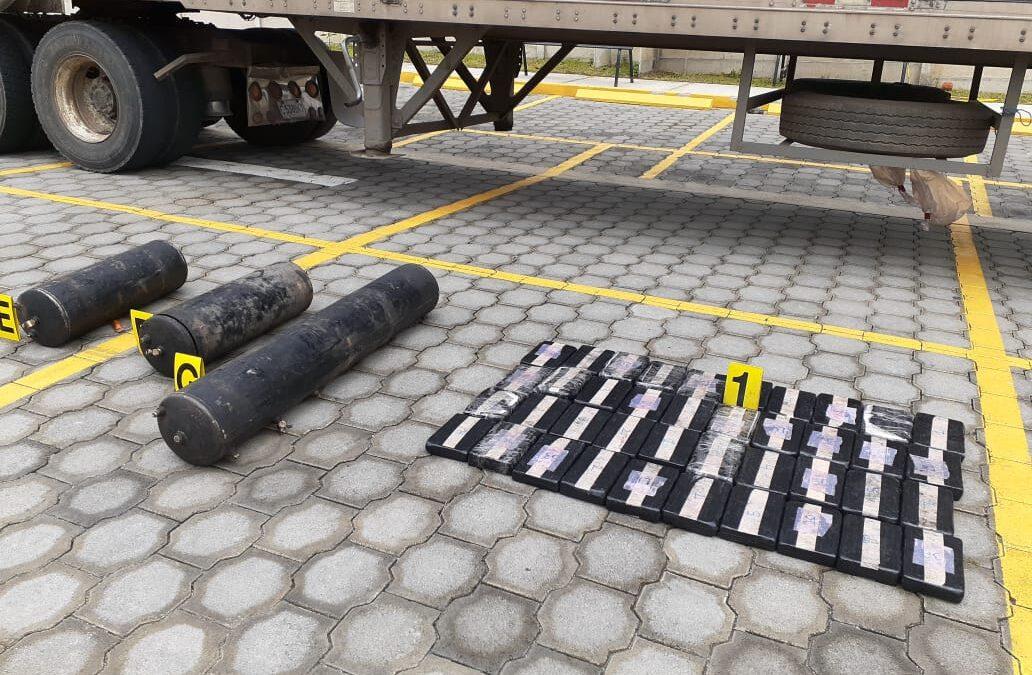 Policía Nacional incauta droga a guatemalteco