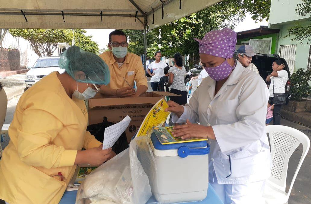 Galenos acercan la atención medica a los barrios de Managua