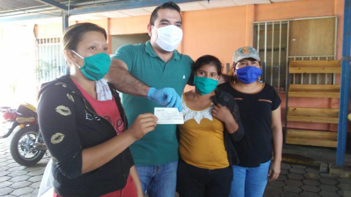 MEFCCA entrega más 700 mil córdobas emprendedores de Managua