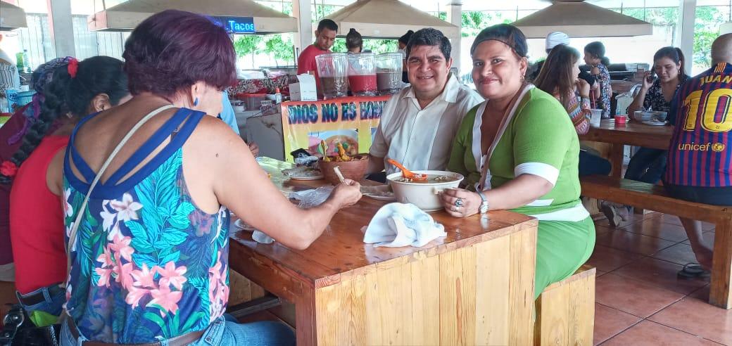 Crece venta de sopas en el Tiangue Hugo Chávez