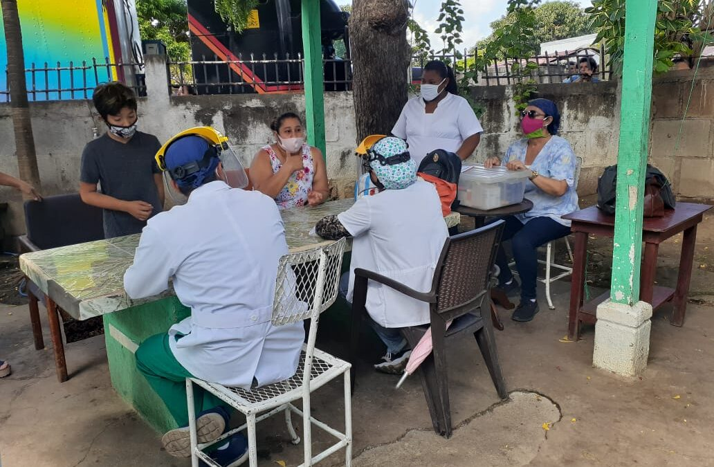 Clínicas móviles, salud y ahorro para los nicaragüenses