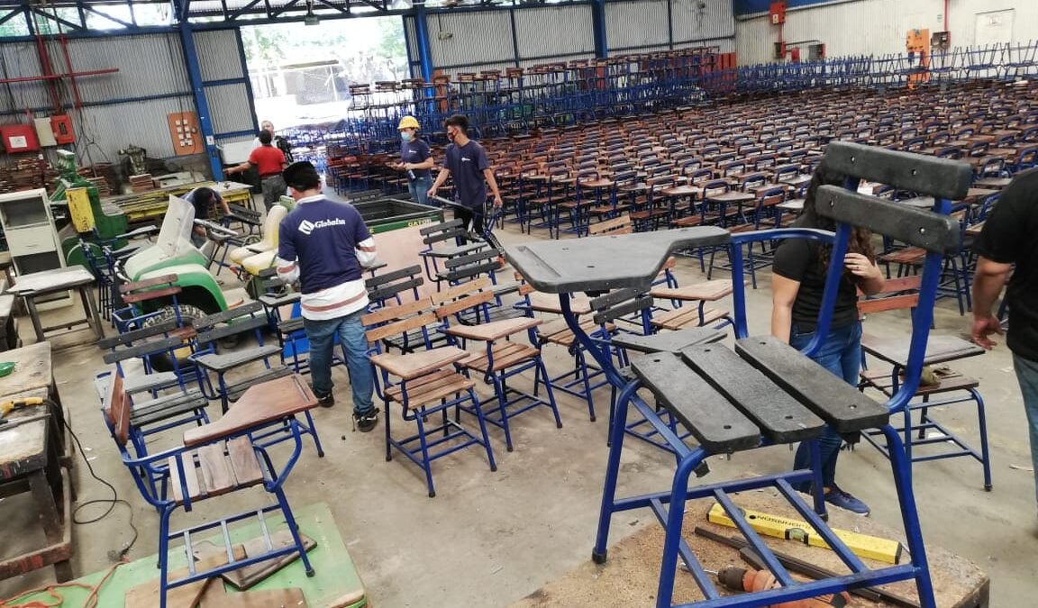 Fabrican 29 mil pupitres nuevos para escuelas publicas del país