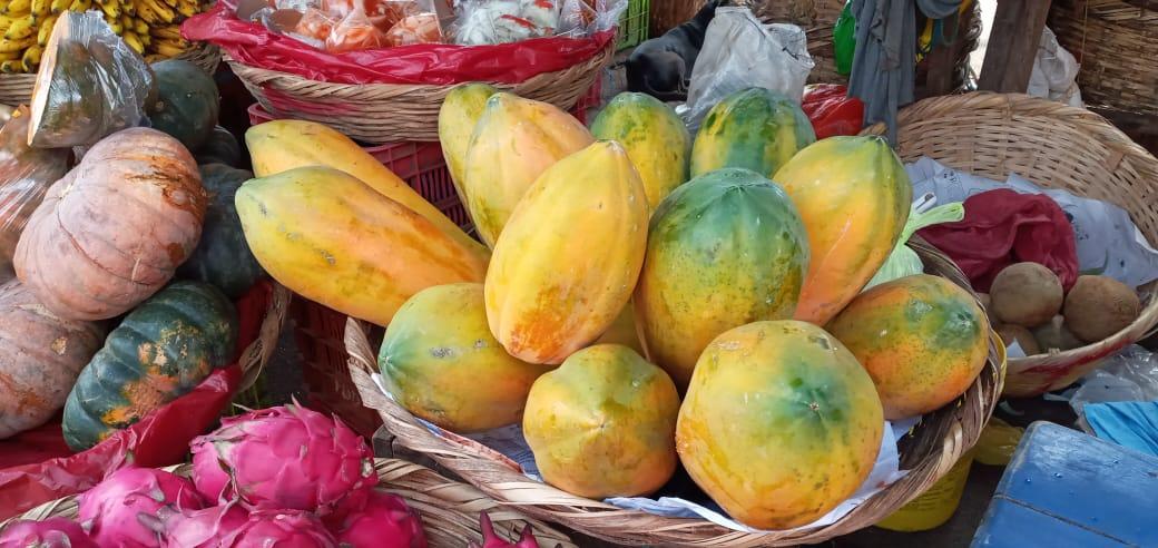 Frutas y verduras con descuentos en el mercado Roberto Huembes
