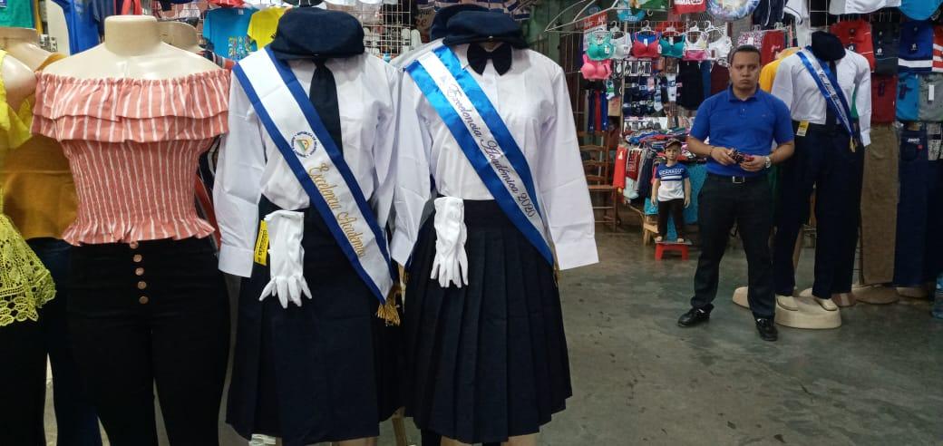 Uniformes y vestidos de folklore con precios estables en el Huembes
