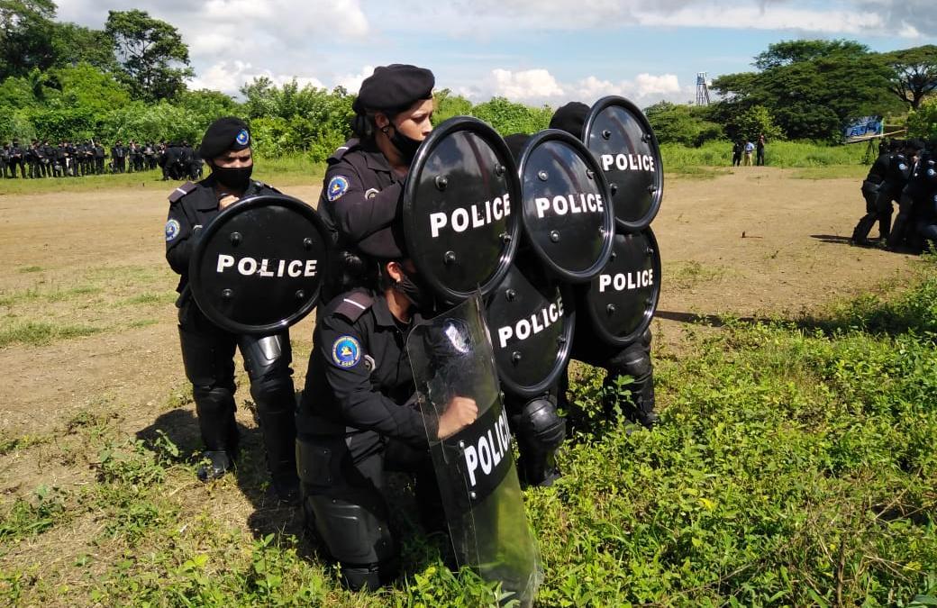 Mujeres policías reafirman compromiso por defender la paz de las familias nicaragüenses