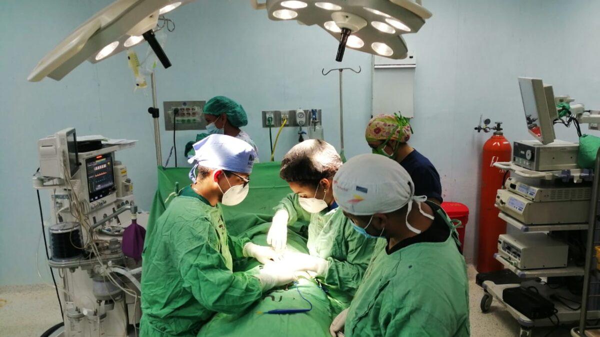 Operan gratuitamente a niños en el hospital Manuel Jesús Rivera