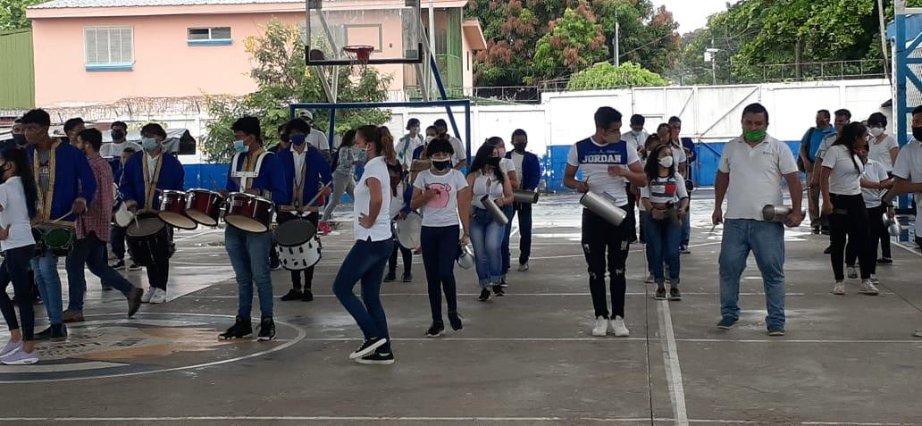 Comunidad educativa inicia jornada conmemorativa del Orgullo Patrio