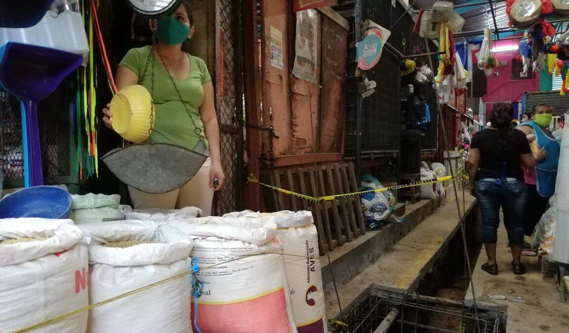 Instalan nuevo sistema de drenaje pluvial en mercadito de San Judas