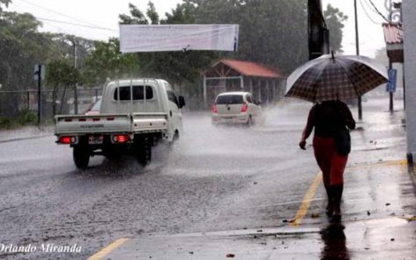 Nicaragua vigilante ante presencia de lluvias por la depresión tropical número 14