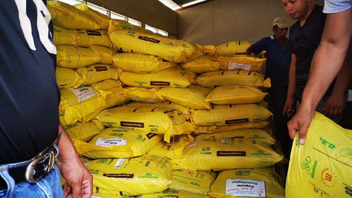 Plan de acompañamiento a pequeños productores cafetaleros