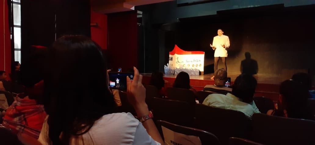 Jóvenes se destacan en el séptimo festival de egresados de teatro