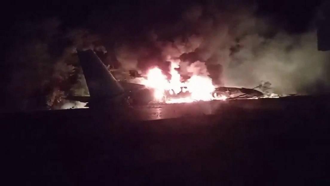 25 personas fallecen tras estrellarse un avión al noreste de Ucrania