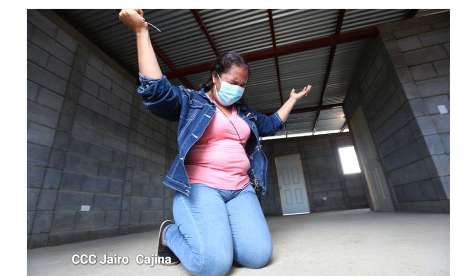100 nicaragüenses abrieron la casa de sus sueños