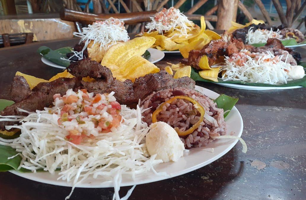 Variada oferta gastronómica encuentra en Ciudad Sandino, Managua