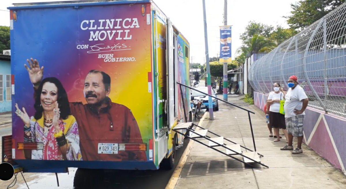 Clínica móvil llega hasta el barrio Carlos Núñez al noroeste de la capital