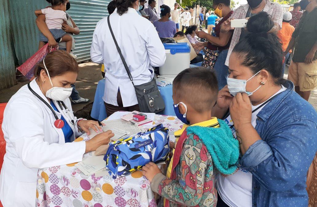 HABITANTES DEL BARRIO EL RECREO RECIBEN ATENCIÓN MÉDICA INTEGRAL Y ESPECIALIZADA