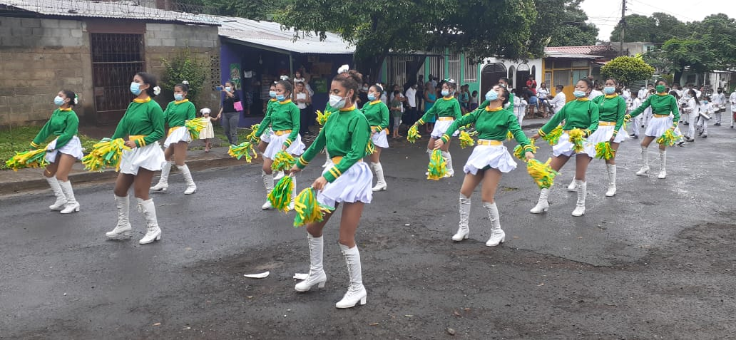 Desfiles patrios escolares recuerdan lucha por la libertad y soberanía nacional