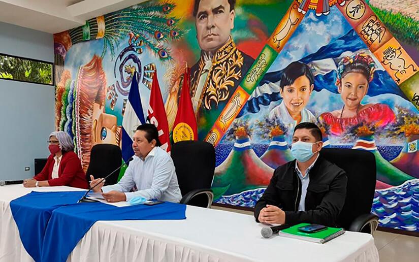 Continúan reconociendo a los mejores estudiantes y docentes de Nicaragua