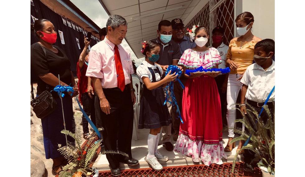 Inauguran escuela en San Gregorio Murra