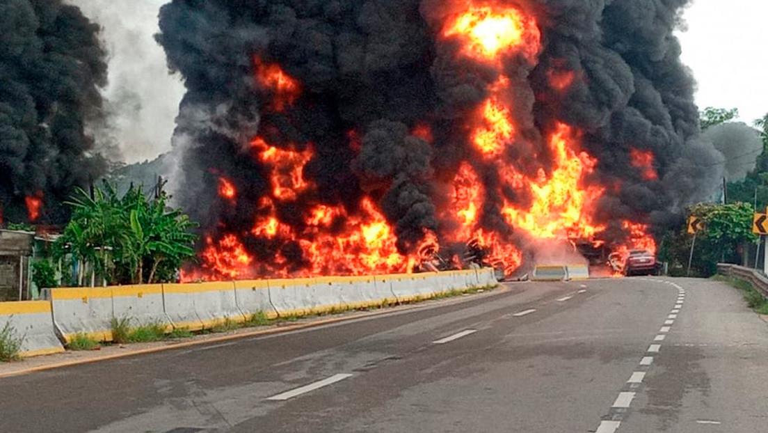 Cuatro muertos dejó la explosión de un camión cisterna en Tabasco, México