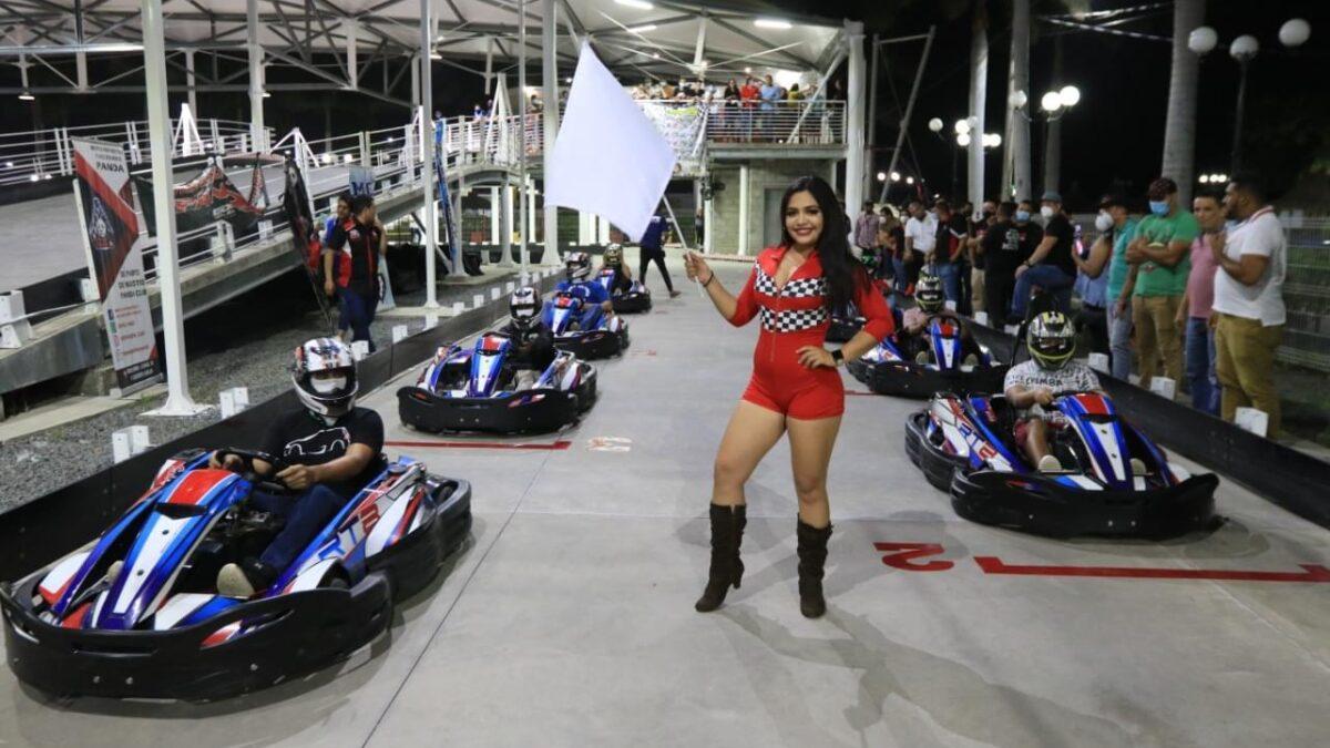Vuelve la adrenalina en pista de carrera Go Kart