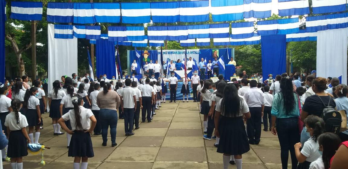 Comunidad educativa en León celebra el 164 aniversario de la batalla de san Jacinto