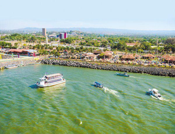 Más de cinco mil turistas en un día en el Puerto Salvador Allende