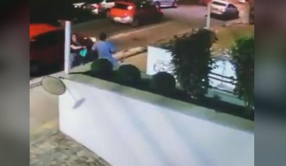Hombres se unen e interrumpen asalto