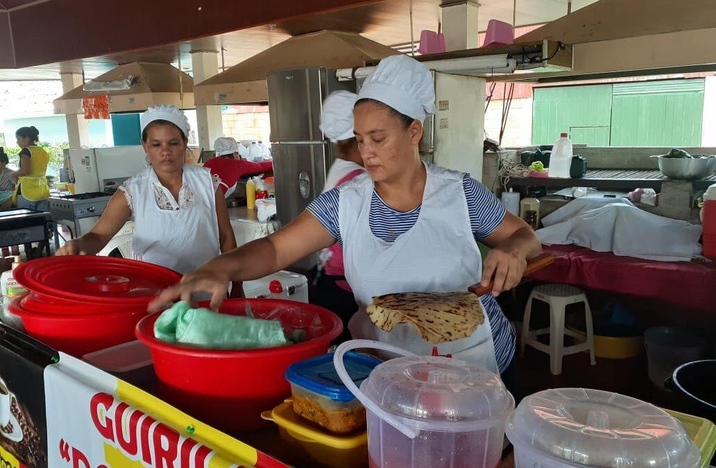 Emprendedores ofrecen la variada gastronomía nicaragüense