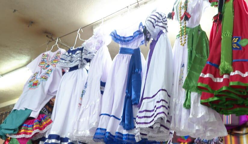 Uniformes y trajes típicos a buen precio en el mercado Roberto Huembes