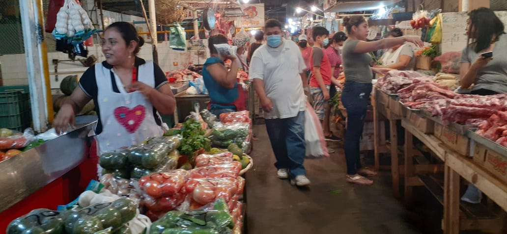Buena demanda de carne de pollo, res y cerdo en el mercado Roberto Huembes