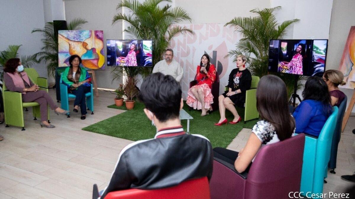 Modistas de Nicaragua diseña, conversan sobre sus colecciones