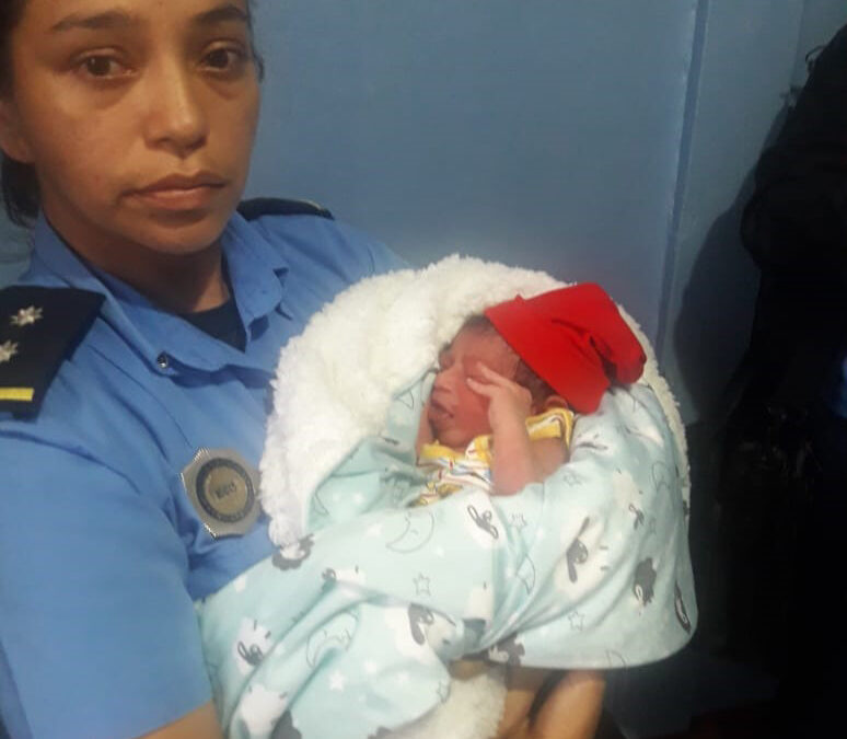 Policía rescata a recién nacido que fue secuestrado de un hospital