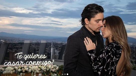 Alex Fernández compartió un vídeo del momento que propuso matrimonio