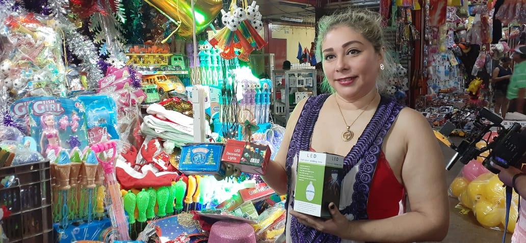 Artículos de la temporada decembrina ya se exhiben en mercado de Managua