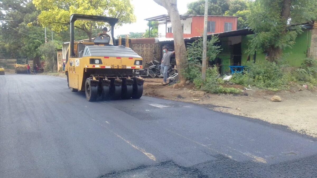 Construyen más calles nuevas en barrios de Managua