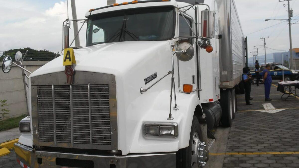 Detienen a costarricense que transportaba más de 36 kilos de cocaína dentro de un furgón