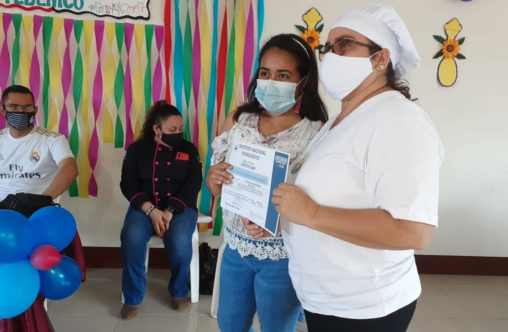 Tecnológico Nacional certifica a más personas en cocina nicaragüense