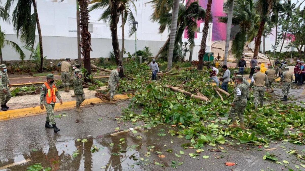 Huracán Delta recobró intensidad tras pasar por la península de Yucatán