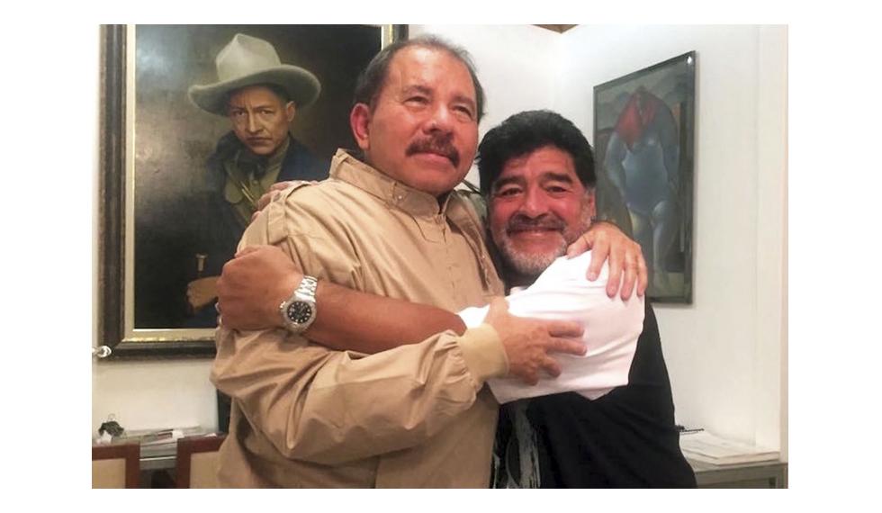 Gobierno felicita al astro Armando Maradona por su cumpleaños