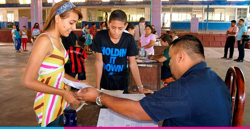 Confirmación de matrículas continúan en los colegios públicos