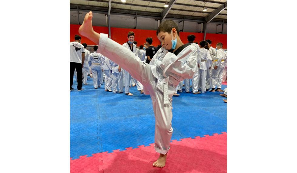 Atletas se enfrentaron en el segundo campeonato Nacional de Taekwondo