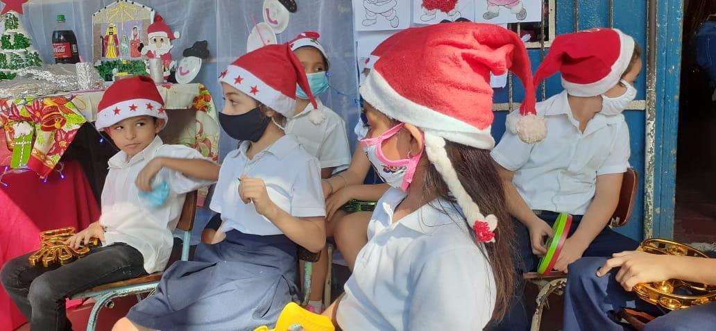 Aires navideños llegan al Instituto Panamericano de Managua
