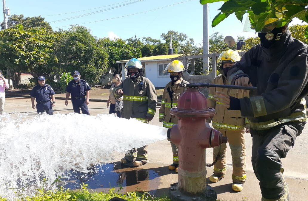 Bomberos reportan hidrantes en buen estado en reparto Simón Bolívar