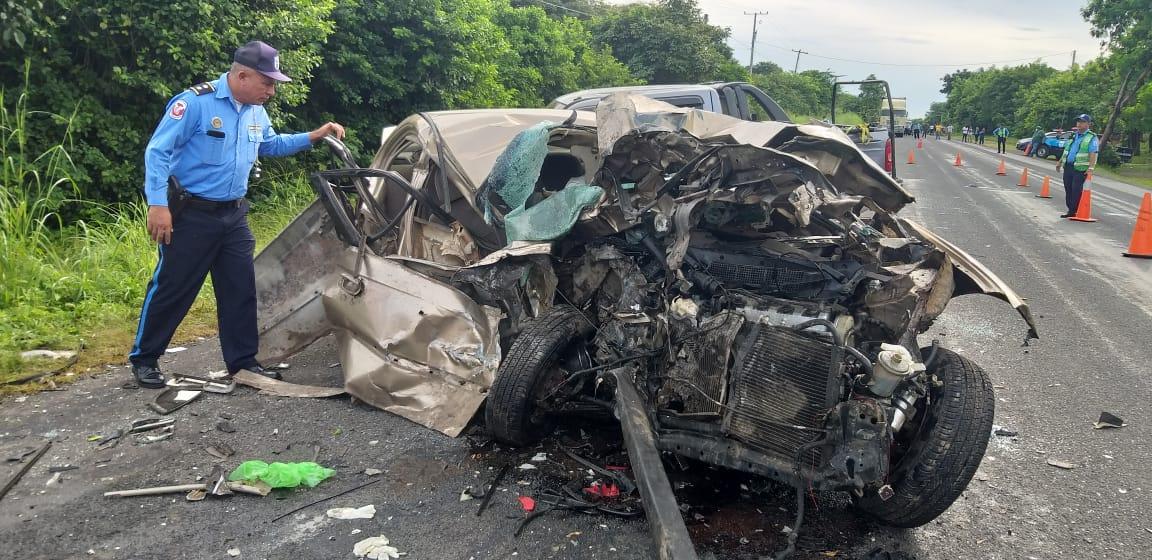 Un fallecido y varios lesionados en violento accidente de tránsito en León