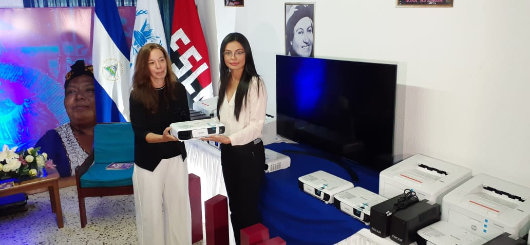 Programa Mundial de Alimentos entrega apoyo tecnológico al Ministerio de la Mujer
