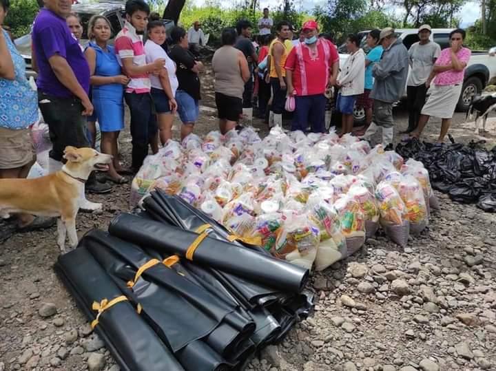 Dan repuesta con ayuda humanitaria a la comunidad La Palma en Tecolostote