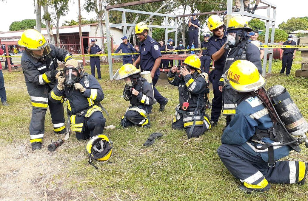 Más bomberas en el país brindan sus servicios de seguridad ante las emergencias