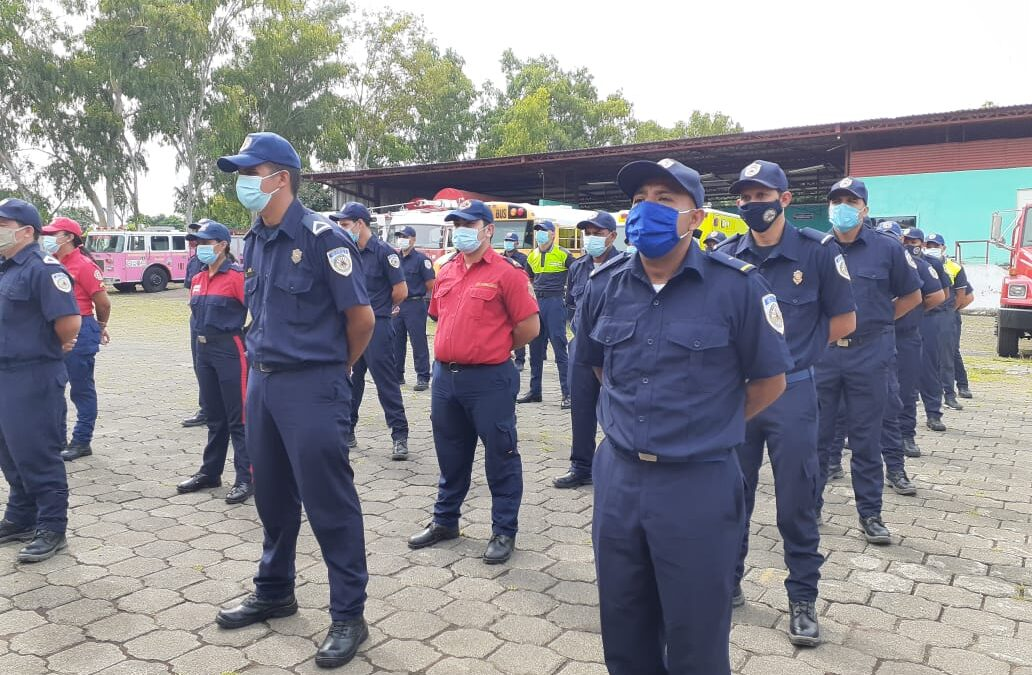 Bomberos unificados participan en curso de atención prehospitalaria